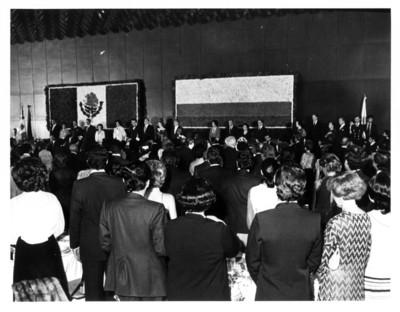 Jefes de gobierno de México y Colombia en ceremonia