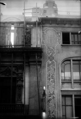 Edificio de estilo colonial en restauración