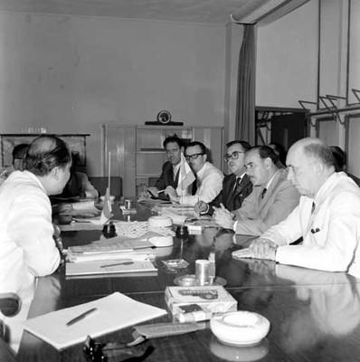 Raúl Salinas Lozano en reunión con industriales mexicanos e indonesios, en la Cd. de Jakarta