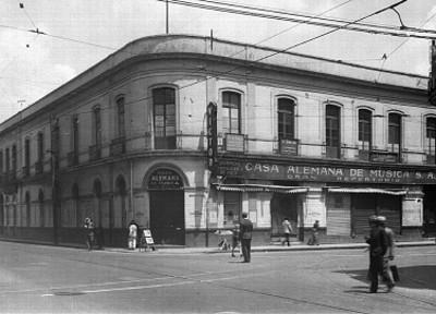 Casa alemana de Música, S.A.; ubicada en la primera calle de Nuevo México, vista general