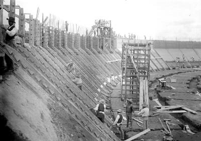 Construcción de la estación de agua en la Ciudad de México