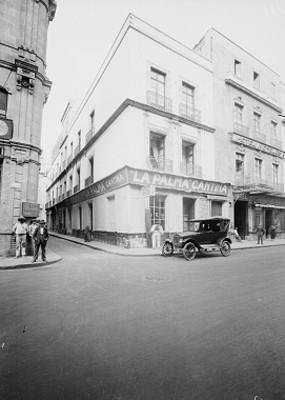 Esquina de la calle Palma con el Callejón 5 de Mayo