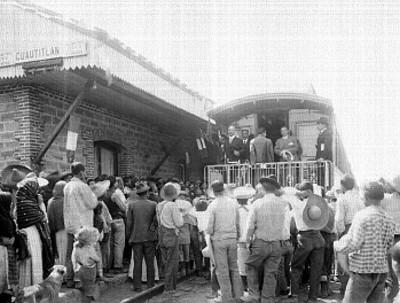 Diplomáticos son recibidos en la estación de Cuautitlán