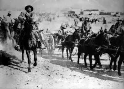 Francisco Villa y sus tropas en la entrada triunfal a Torreón