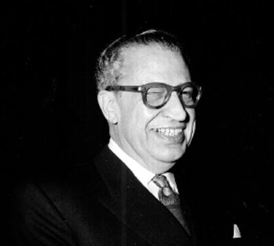 Jaime Torres Bodet acompañado de Manuel J. Tello en la cámara de diputados