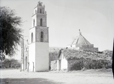 Iglesia, vista lateral