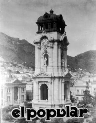 Vista general del Reloj monumental de Pachuca, reprografía