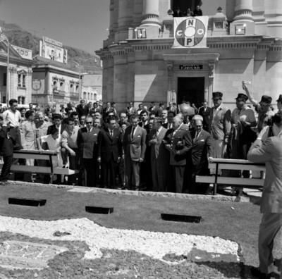 Adolfo López Mateos en la Plaza Independencia durante su visita a la ciudad de Pachuca