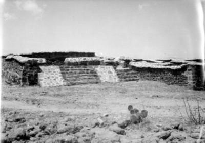 Vista de una escalinata en Calixtlahuaca