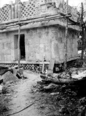 Templo de los Tres Dinteles, vista parcial