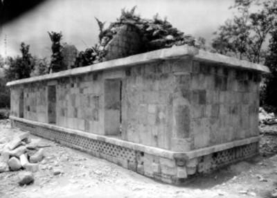Vista de una edificación prehispánica