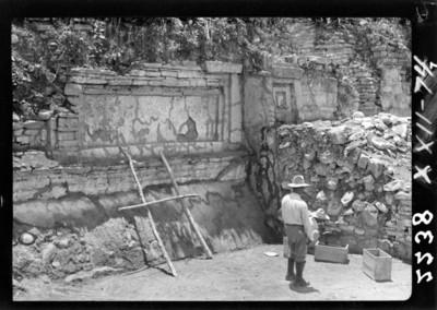 Trabajos de exploración del Edificio A, del grupo de Tajín Chico