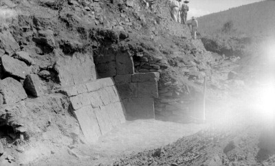 Detalle de los trabajos de reconstrucción de una yácata