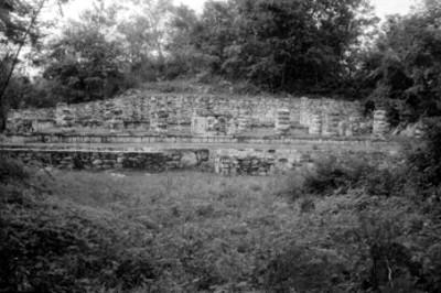 Vista frontal de la Sala de los Mascarones del dios Chaac