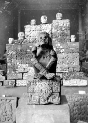 Escultura del dios Xochipilli