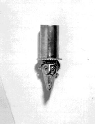 Vista superior de un bezote prehispánico