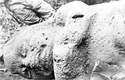 Monumento 5 durante su descubrimiento