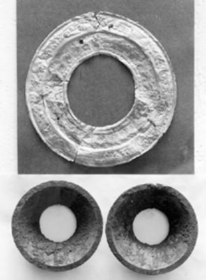 Orejeras y piezas de joyería prehispánica, vista