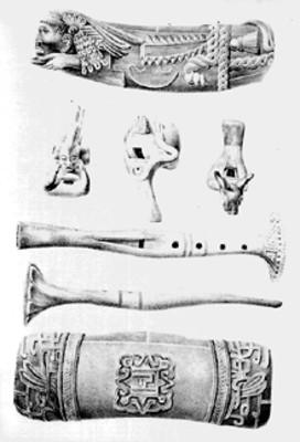 Silbatos, flautas y teponaztles mexicas, litografía de Carl Nebel