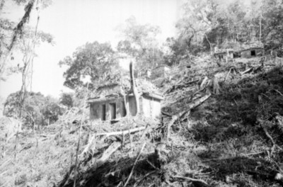 Edificio sin restaurar en Bonampak