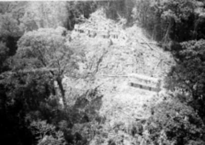 Vista de la Acrópolis antes de su reconstrucción