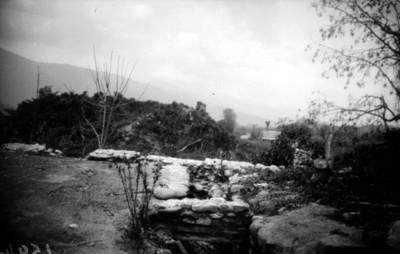 Restos arqueológicos junto al poblado del Tlacuache