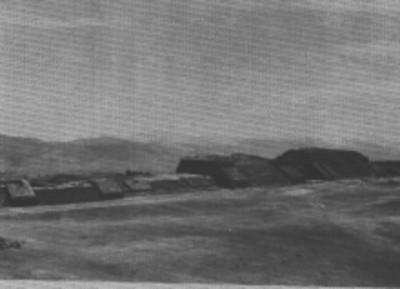 Plataforma que limita el lado oriente de la plaza de Monte Albán, reprografía