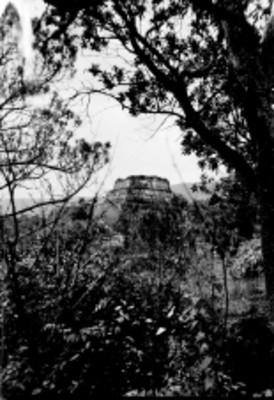 Panorámica de la Pirámide del Tepozteco, reprografía
