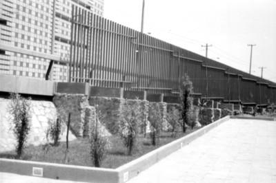 Cerca perimetral de la zona arqueológica de Tlatelolco con el Eje Lázaro Cárdenas