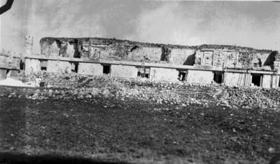 Trabajadores restauran el edificio oeste del Cuadrángulo de las Monjas, reprografía