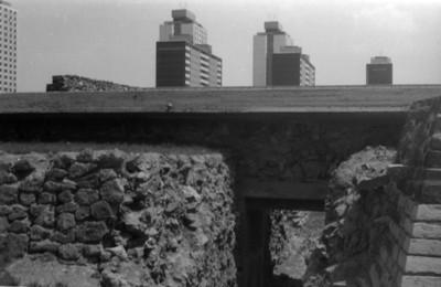 Muros restaurados en la zona arqueológica de Tlatelolco, vista parcial