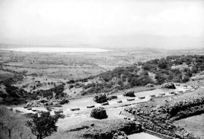 Vista panorámica desde la zona arqueológica de Xochicalco