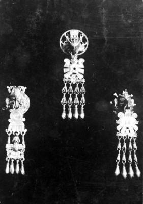 Pectoral y pendientes de la tumba 7 de Monte Albán, reprografía