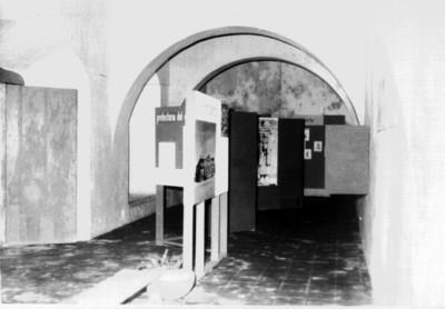 Vista parcial de una sala en el Museo de Arquitectura Maya (Baluarte de la Soledad), reprografía