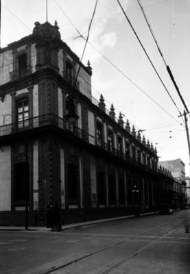 """""""Banco Nacional de México"""", fachada, vista lateral"""