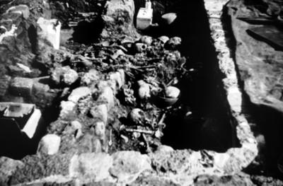 Vista de un entierro prehispánico en Teopanzolco