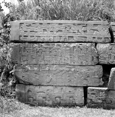 Tablero con relieves antropomorfos del Juego de Pelota