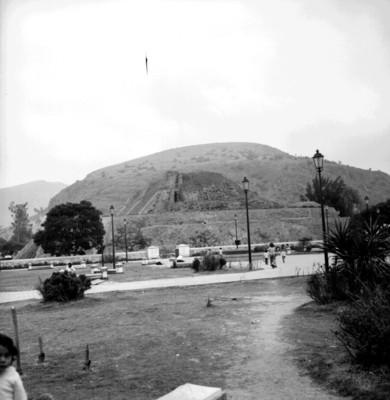 Vista parcial de la Pirámide de Tenayuca