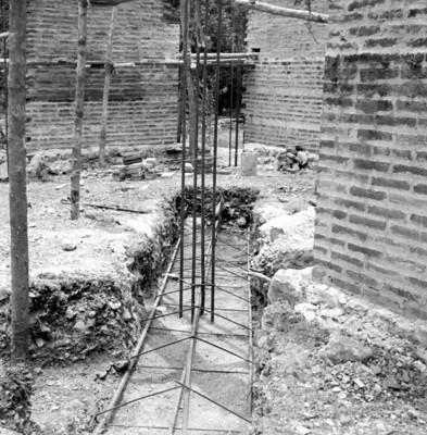 Vista de los trabajos de una construcción en Palenque