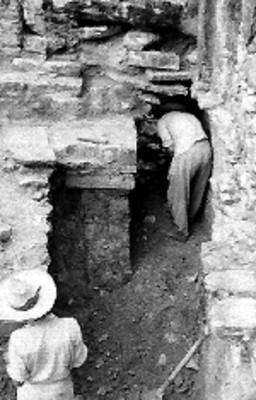 Trabajos de excavación en estructura de Paleque