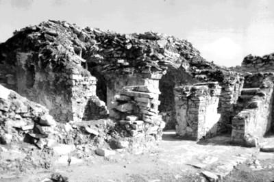 Excavación de muros y escaleras de la fachada sur del Palacio, Palenque