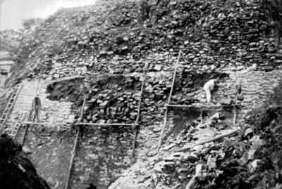 Trabajos de restauración en edificio de Palenque