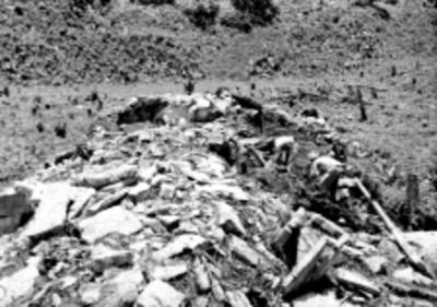 Trabajos de restauración de un basamento, Palenque