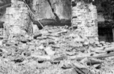 Pórtico del Templo el Conde sin restaurar, Palenque