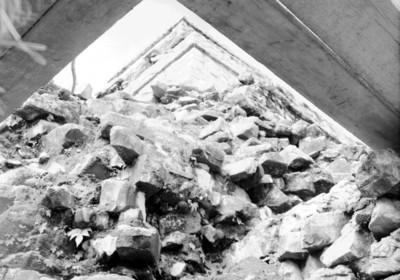 Basamento arquitectónico del Templo de las Inscripciones en restauración