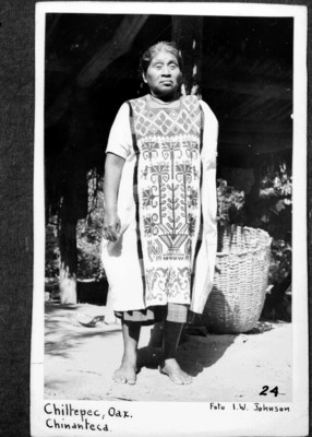"""Mujer """"chinanteca de chiltepec, Oax[aca]"""", retrato, reprografía"""