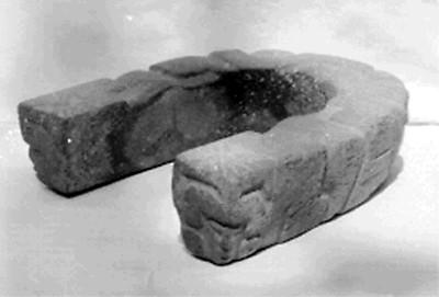 Tres figurillas antropomorfas de cerámica prehispánica