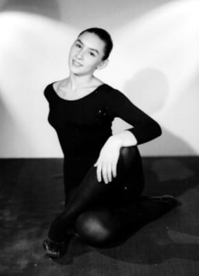 Emily Gamboa, bailarina
