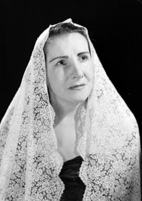 Ma. de los Ángeles Gama, cantante