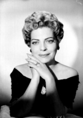 Pilar Sauza, retrato de frente